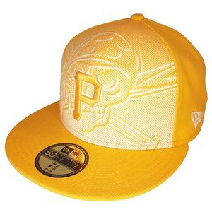 Pittsburgh Pirates Backscreen Fitted Hat